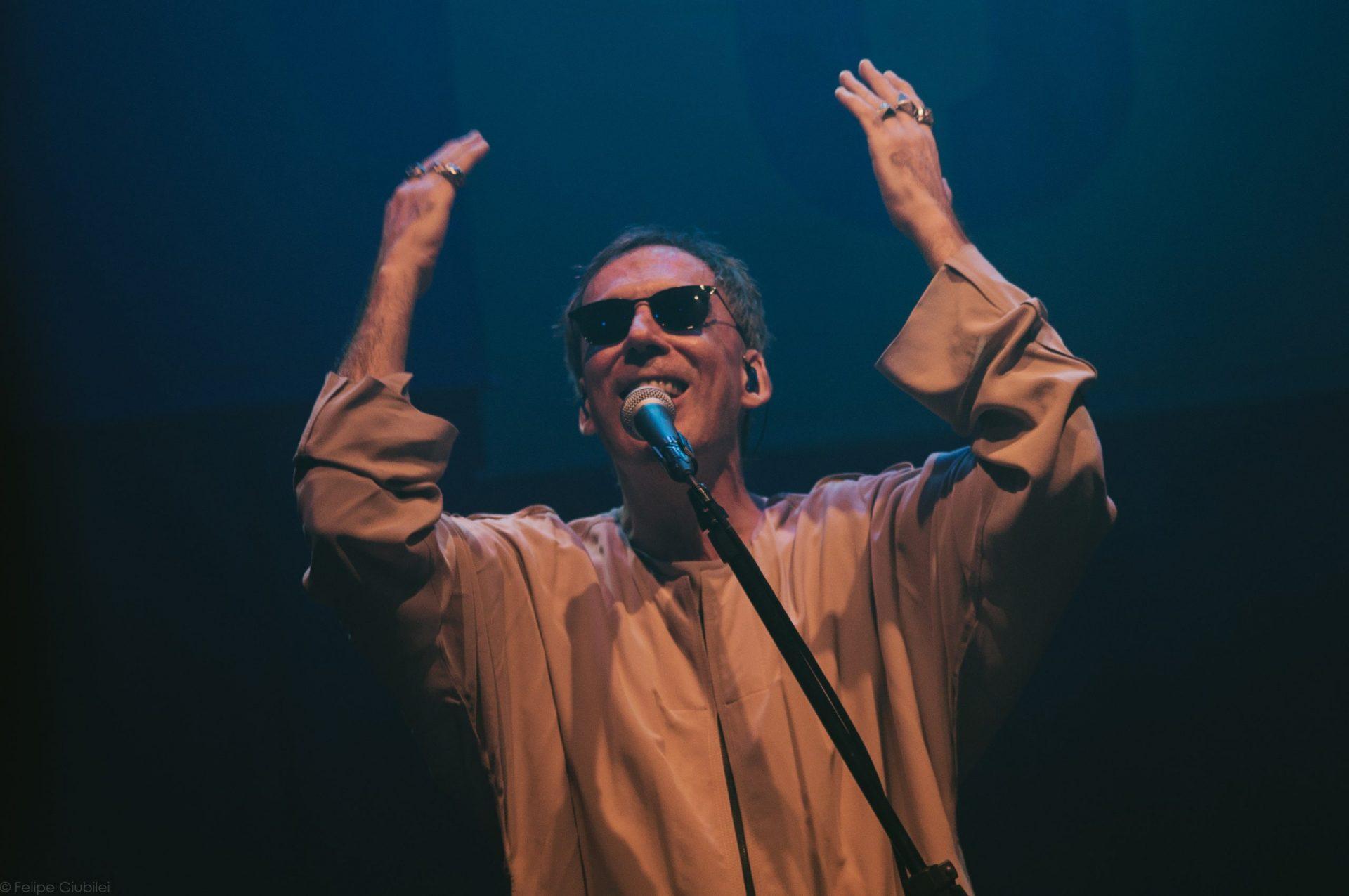 Imagem 3 do Evento Arnaldo Antunes no show Rstuvxz trio