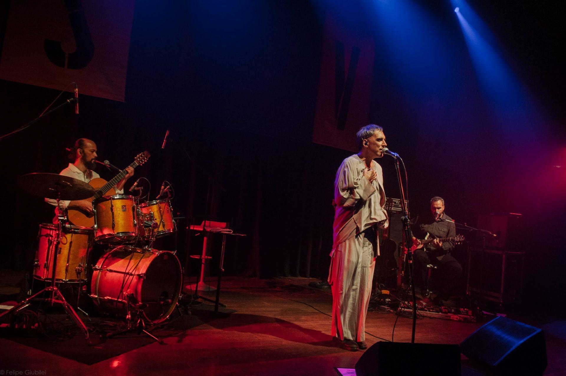 Imagem 11 do Evento Arnaldo Antunes no show Rstuvxz trio
