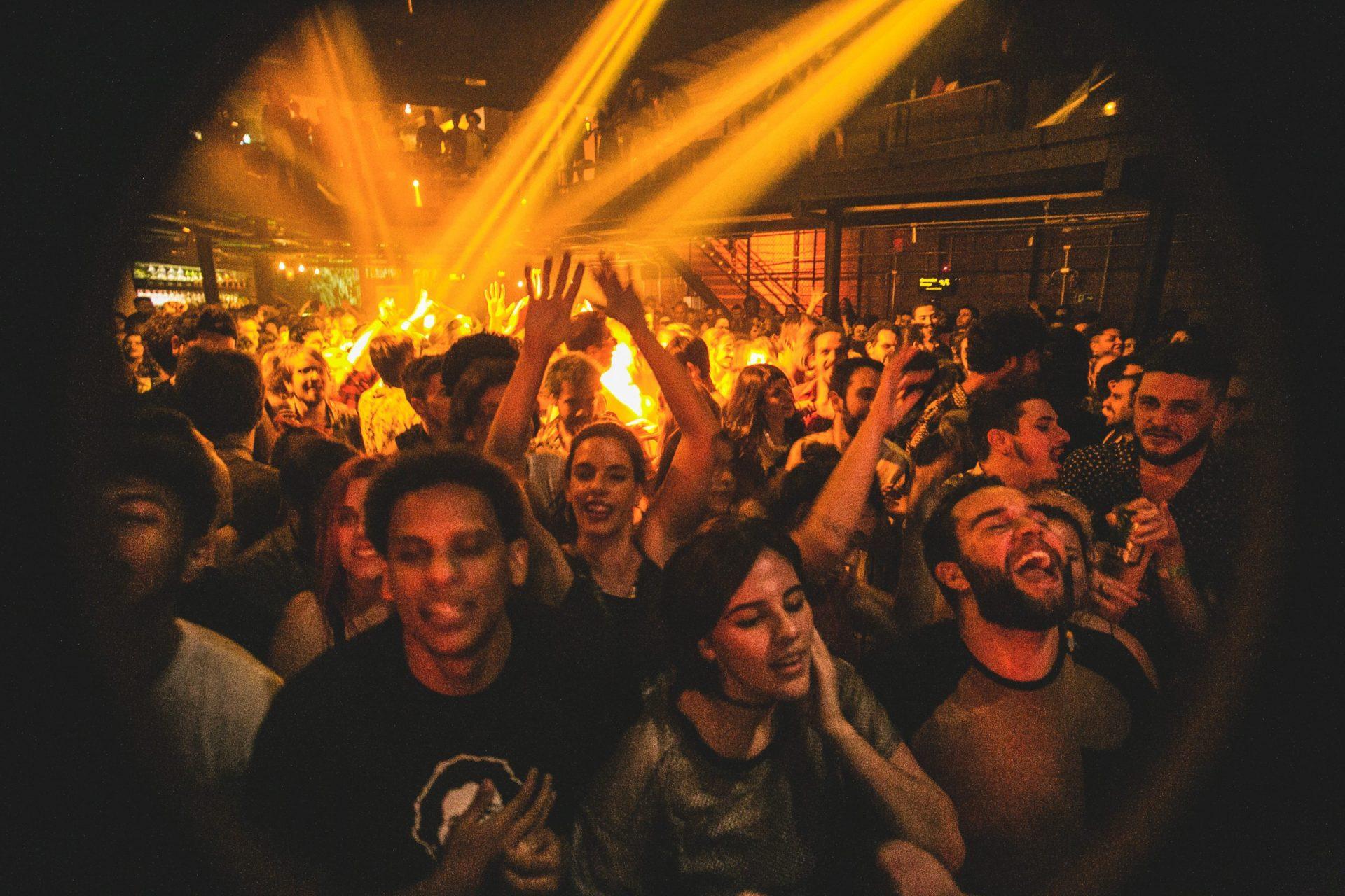 Imagem 8 do Evento Francisco, el hombre | Rasgacabeza