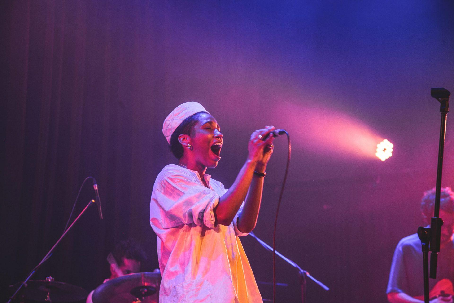 """Imagem 1 do Evento Mahmundi no show """"Para Dias Ruins"""""""